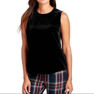 Vineyard Vines Tops - NWT Vineyard Vines Black Sleeveless Velvet Shirt
